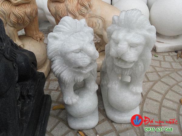sư tử đá để nhà