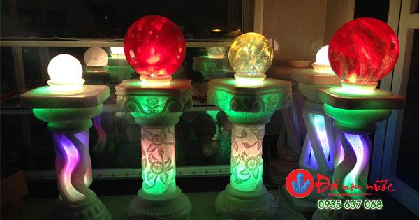 Trụ đèn bằng đá non nước Đà năng
