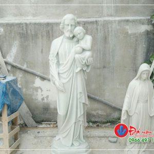Tượng Ông Thánh Giu se Bế Chúa Giê su